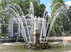 Петродворец - фонтан Ева